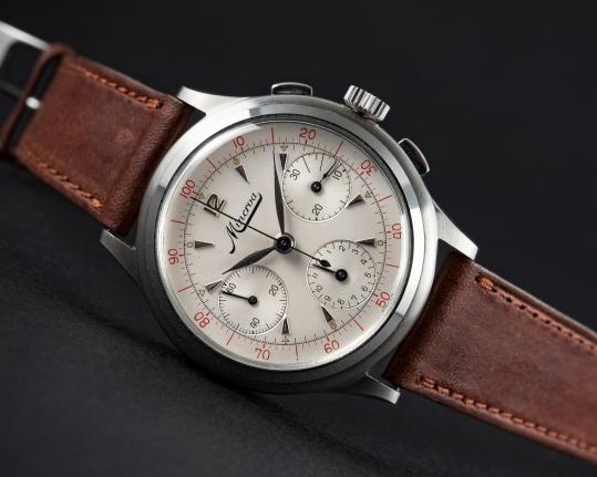 MINERVA chronographe décimal, cal. Valjoux 72.