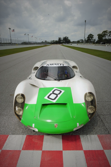 PORSCHE 910 Racing Works Coupe.